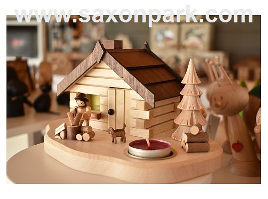 smoke house with lumberjack and tea light (with video)