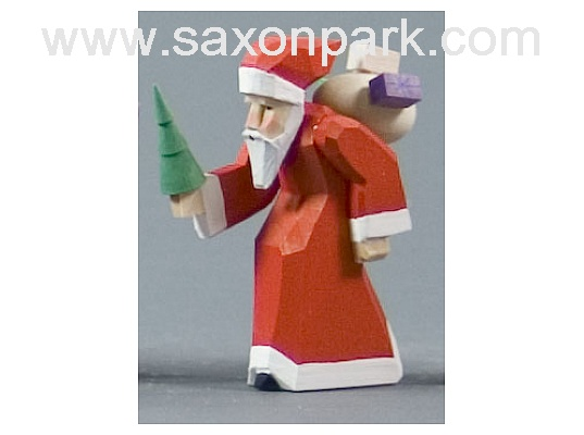 Santa Claus with tree carved (with video)