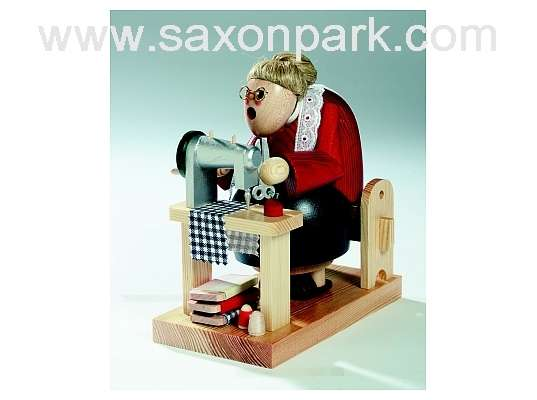 KWO - Christmas Smoker Dressmaker, sitting