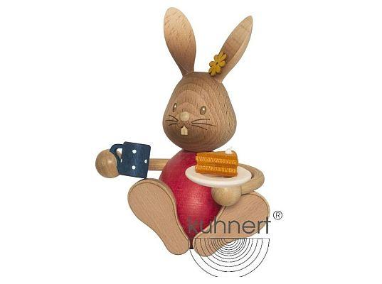 Kuhnert - Stupsi Hase mit Kuchen